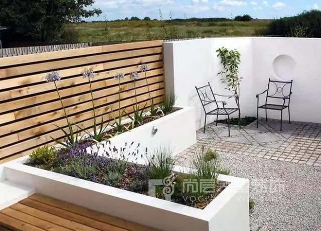 南京装修百科 联排别墅庭院如何设计    设计多个小亮点   ●小庭院景