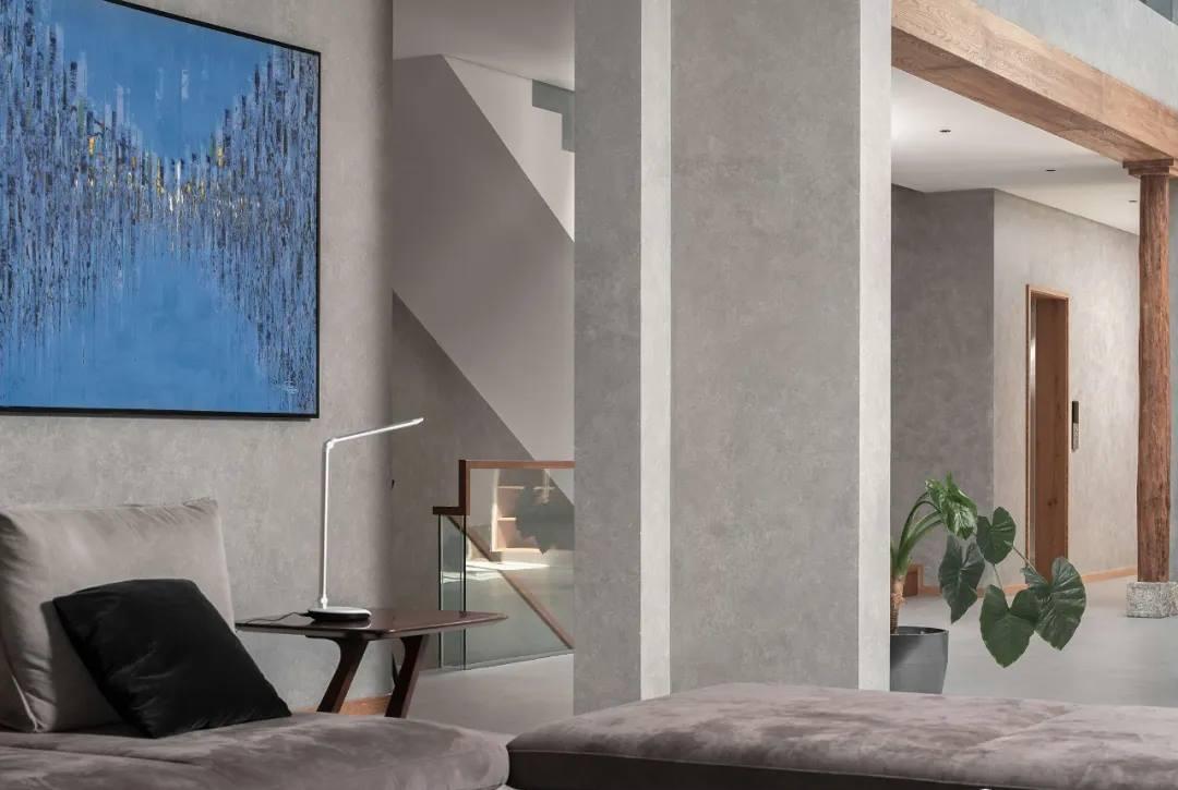 尚层别墅装修业主家客厅走廊装修设计效果