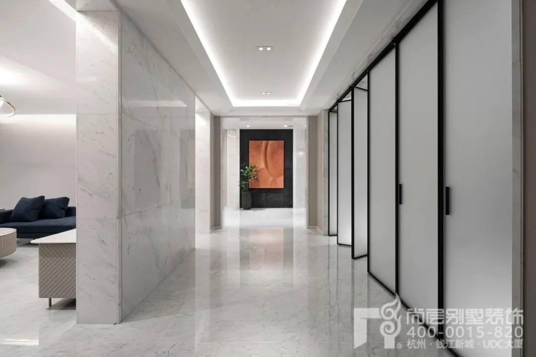 尚层现代风格别墅装修作品门厅实景