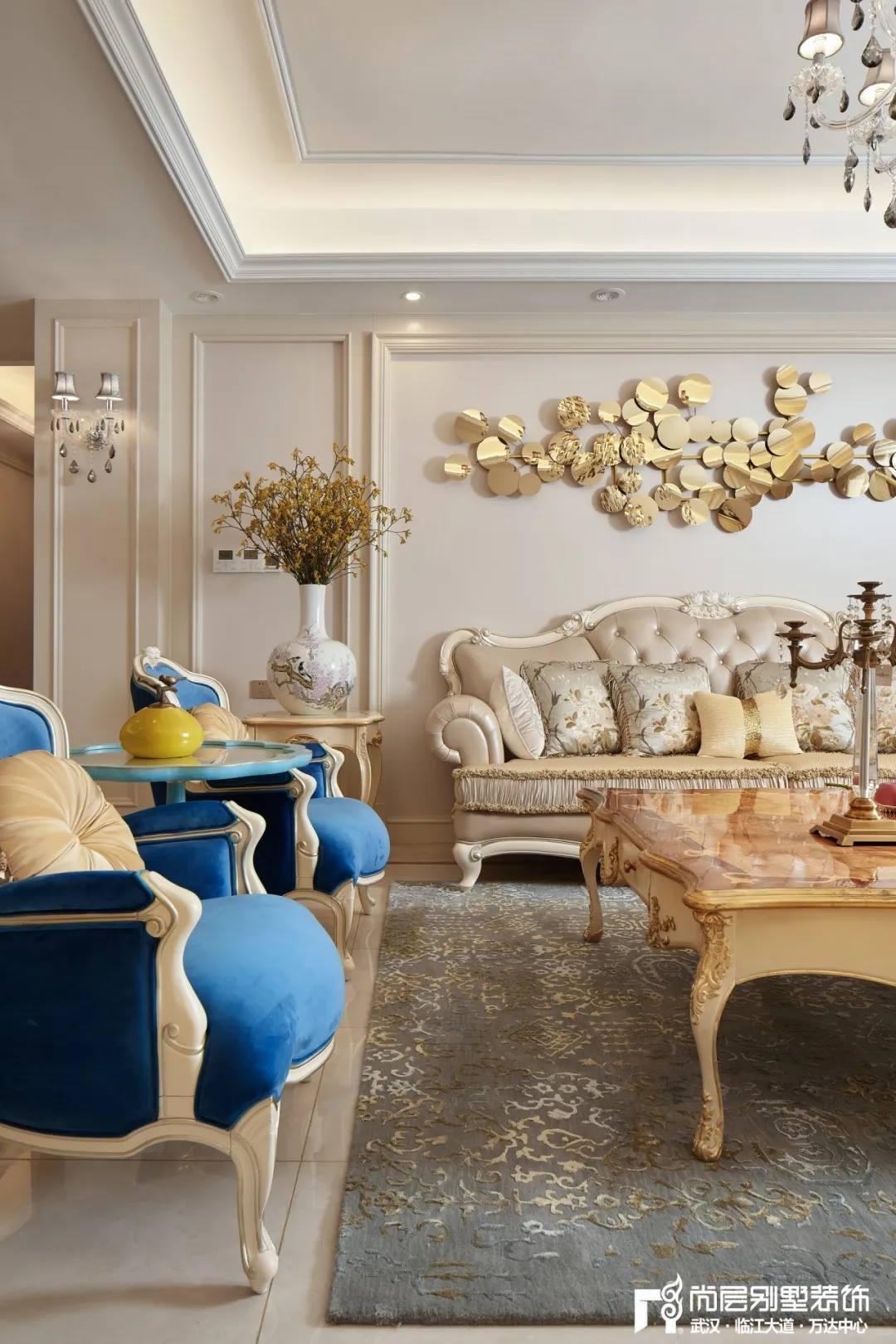 尚层别墅装修设计轻奢法式风客厅家具设计