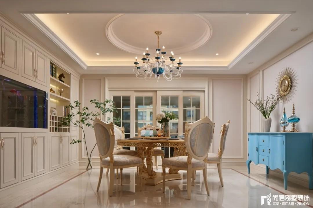 尚层别墅装修轻奢法式风餐厅设计