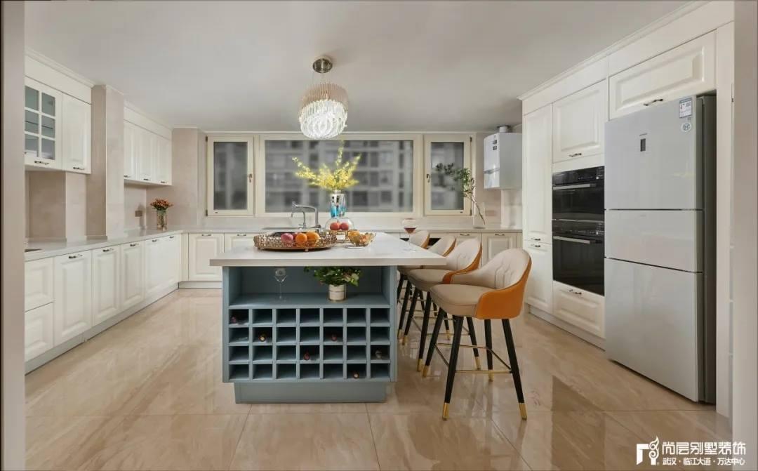尚层别墅装修轻奢法式风厨房装修设计