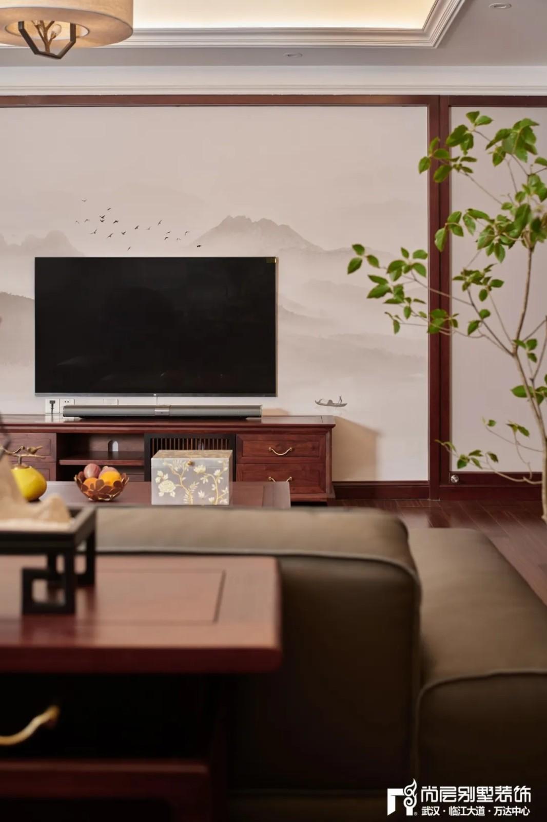 尚层别墅装修轻奢法式风休闲室电视墙设计