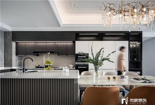 尚层220平现代法式风格别墅厨房装修设计