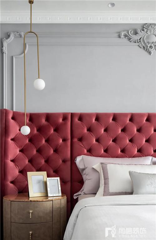 尚层220平现代法式风格别墅卧室床头柜软包设计